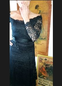 Vintage black lace off-shoulder bodycon maxidress